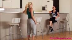 Euro lesbian Angel Rivas toying tight ass